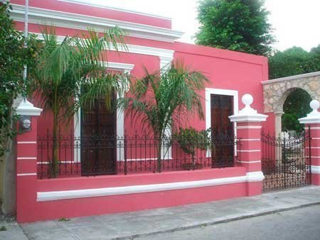 20-fotos-e-ideas-colores-fachadas-casas-exteriores-fachada-de-color-rosa-y-blanco