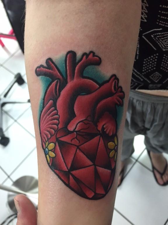 san-valentin-tatuajes-de-amor-corazones-realistas