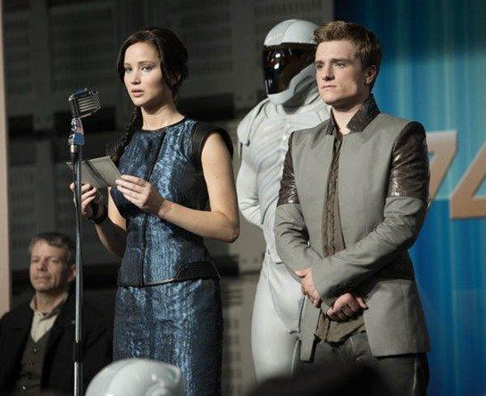 Katniss Everdeen (Jennifer Lawrence) and Peeta Mellark (Josh Hutcherson) in THE HUNGER GAMES: CATCHING FIRE.  Photo credit: Murray Close