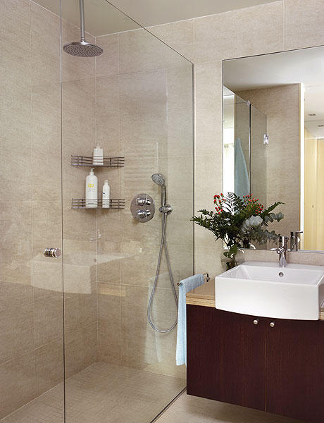 baños-pequeños-con-ducha-transparente