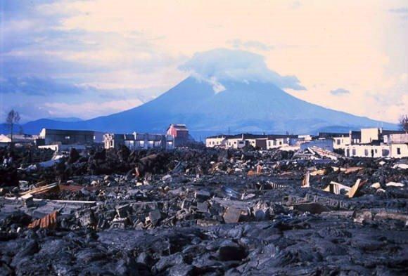 Nyiragongo-volcano-2002.jpg