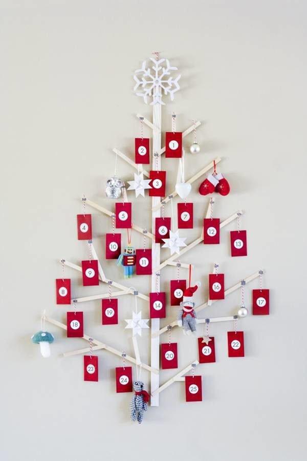 arbol-de-navidad-reciclado-con-madera-y-papel