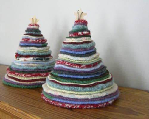 arbol-de-navidad-reciclado-hecho-con-sweaters