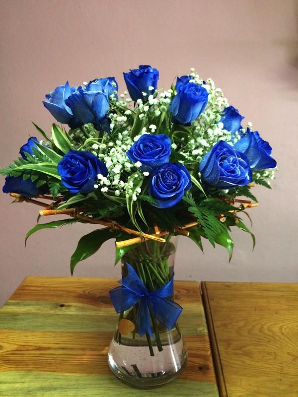 como-plantar-rosas-azules-en-el-jardin-ramo