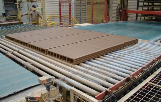 Reducir la huella ambiental desde la fabricación de un producto -reciclaje-charmin-tejas-ecologicas.jpg