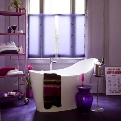 colores-para-cuartos-de-bano-lila-pequeno