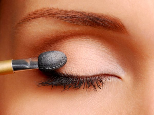 como-maquillarse-los-ojos-paso-a-paso-base