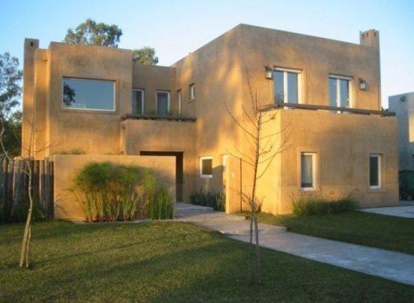 fachadas-de-las-casas-más-bonitas-y-modernas-casa-marron