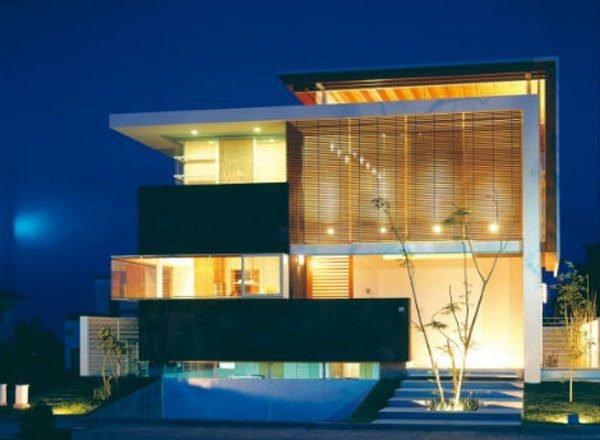 fachadas-de-las-casas-más-bonitas-y-modernas-casa-negra-iluminada