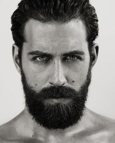 las-mejores-fotos-de-hombres-guapos-con-barba-blanco-y-negro