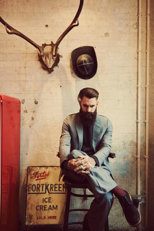las-mejores-fotos-de-hombres-guapos-con-barba-paciente