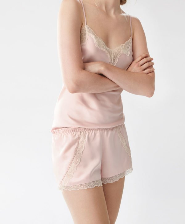 oysho-pijamas-otono-invierno-2017-lenceros-rosa