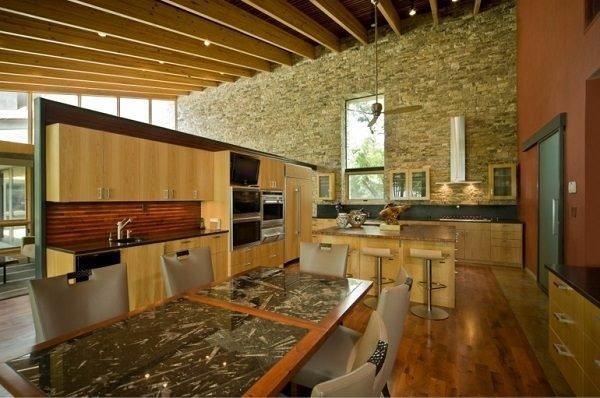 cocina-rustica-piedra-y-madera