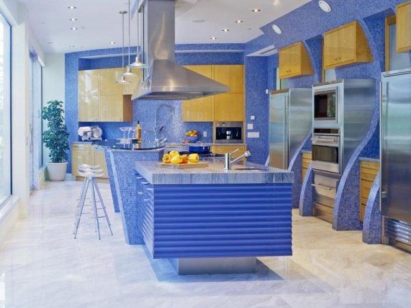 cocinas-con-isla-de-colores-azul-con-azulejos