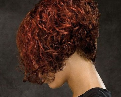 peinados-de-mujer-media-melena-blunt-bob-rojo