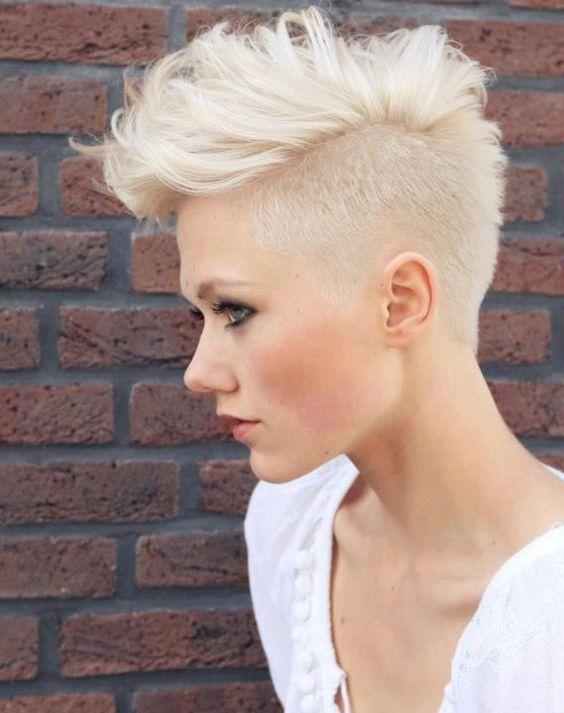 peinados-de-mujer-pelo-corto-punk-rubia
