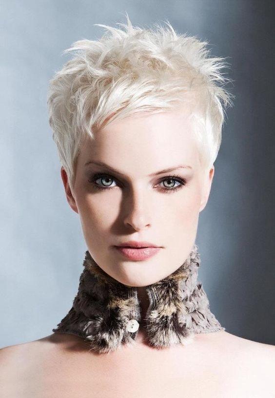 peinados-de-mujer-pelo-corto-spiky