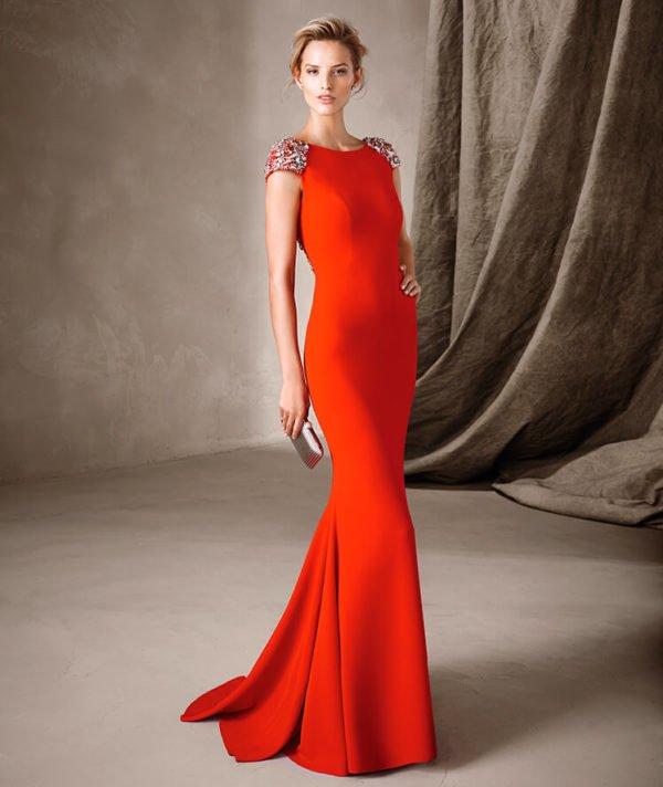 vestidos-de-fiesta-pronovias-naranja-hombreras