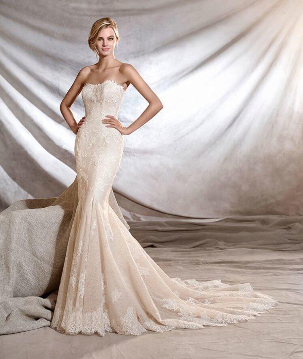 vestidos-de-novia-corte-sirena-otoño-invierno-2017-palabra-de-honor