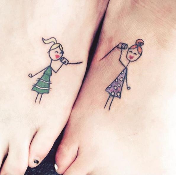 tatuajes-parejas-dos-mitades-ninas-jugando