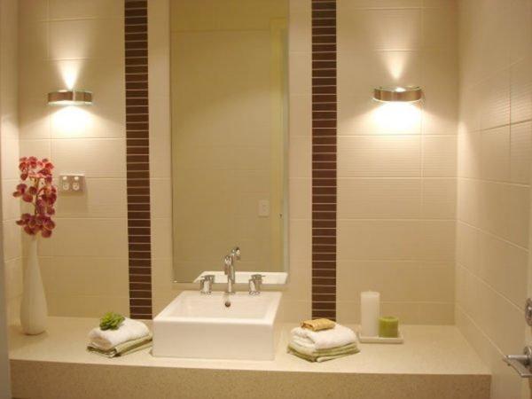 colores-para-cuartos-de-bano-pequenos-beige-marron