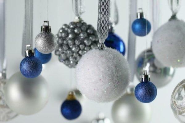 bolas-de-navidad-azul-y-plata