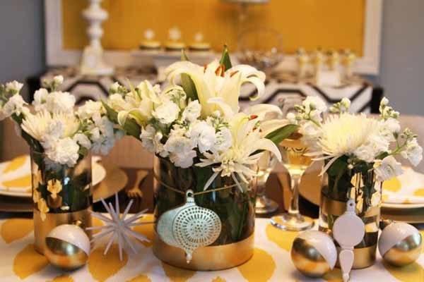 centros-de-mesa-navidenos-blancas-flores