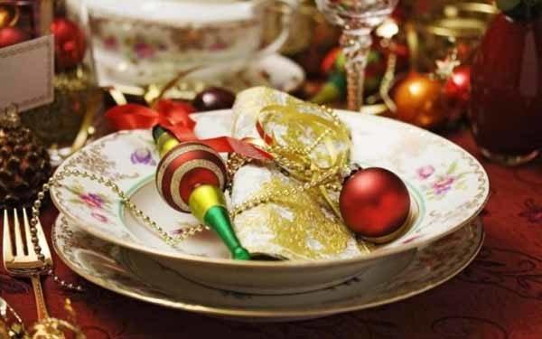 centros-de-mesa-navidenos-bola-roja