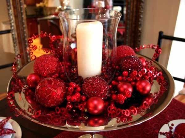 centros-de-mesa-navidenos-bolas-rojas-purpurina