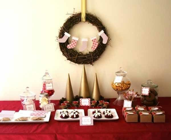 centros-de-mesa-navidenos-conos-dorados