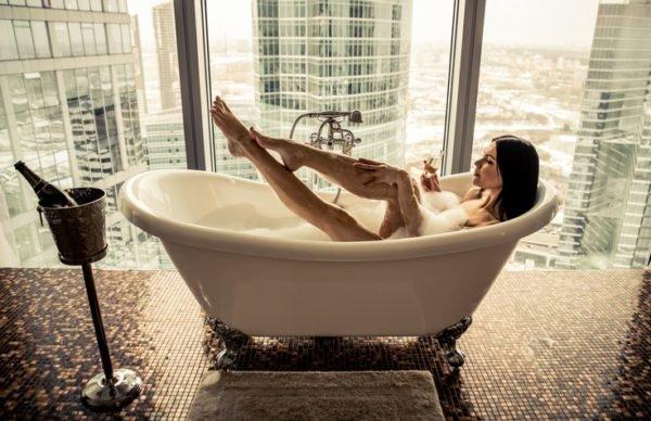 5 pasos para prepararte un bano de burbujas chic y relajante bañera