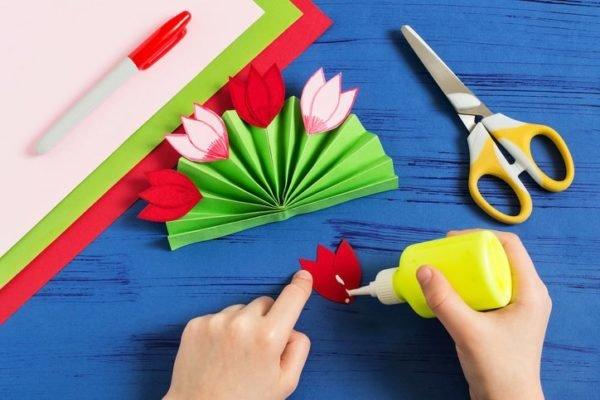 Como hacer un ramo de flores casero para san valentin con cartulinas
