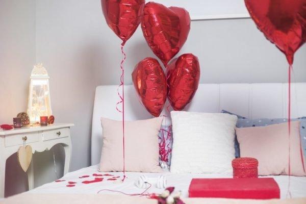 Decoracion de san valentin globos de corazones rojos