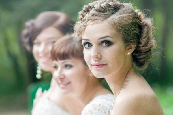 Recogidos bajos para novias y invitadas boda