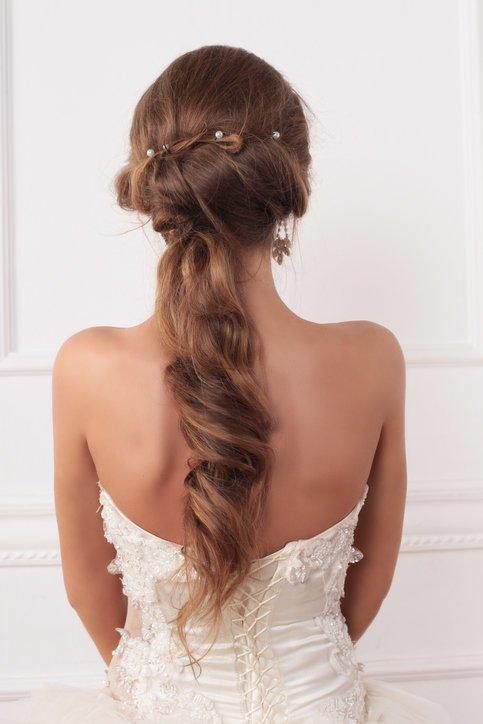 Peinados para pelo rizado recogido