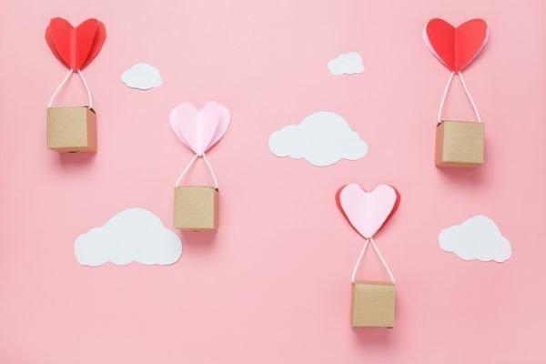 manualidades-para-el-dia-de-la-madre-corazon-papel-istock