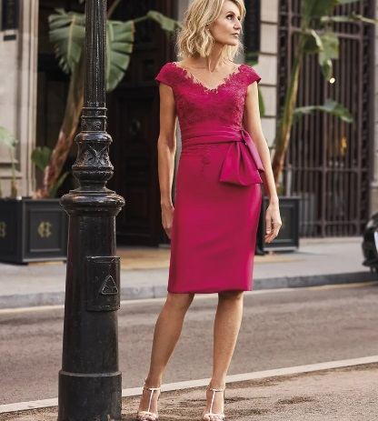 Vestido de fiesta Pronovias corto rosa fucsia