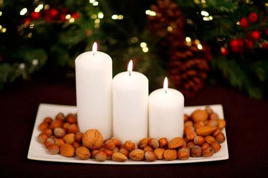decorar-mesa-en-navidad-cirios-frutos-secos-trucosyastucias