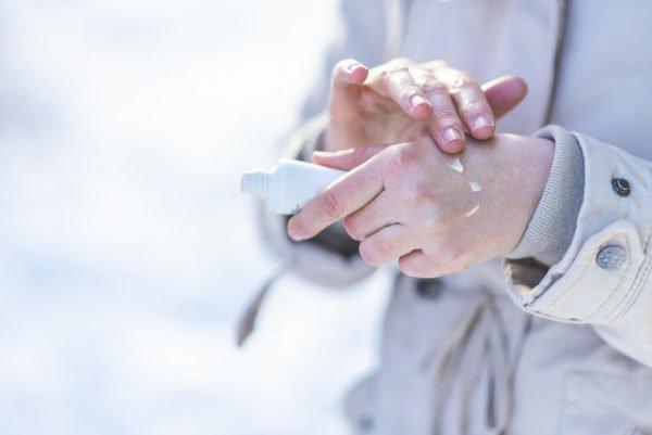 Causas de tener las manos agrietadas