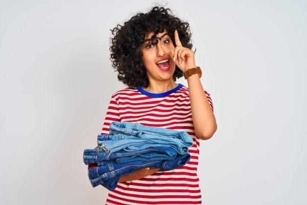 como-encoger-ropa-jeans-istock