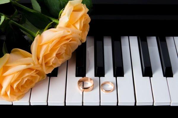 musica-para-bodas-playlist-istock-piano-alianzas