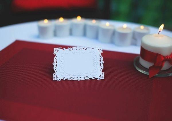 seating-plan-boda-originales-mesa-invitados-vela-istock