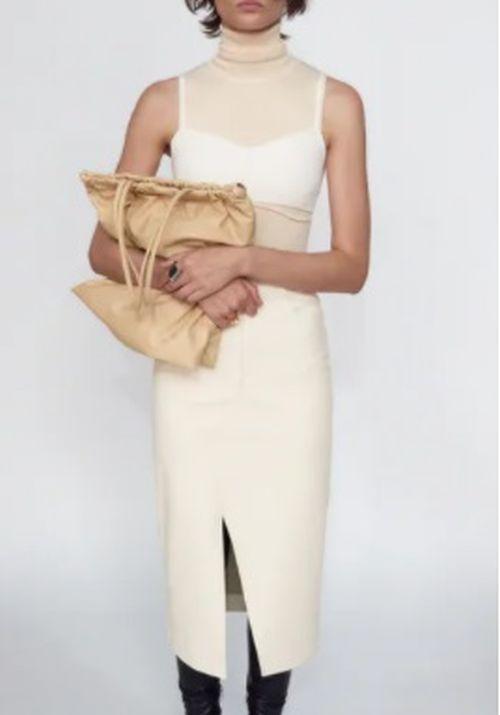 Falda midi efecto piel blanca Zara 2020