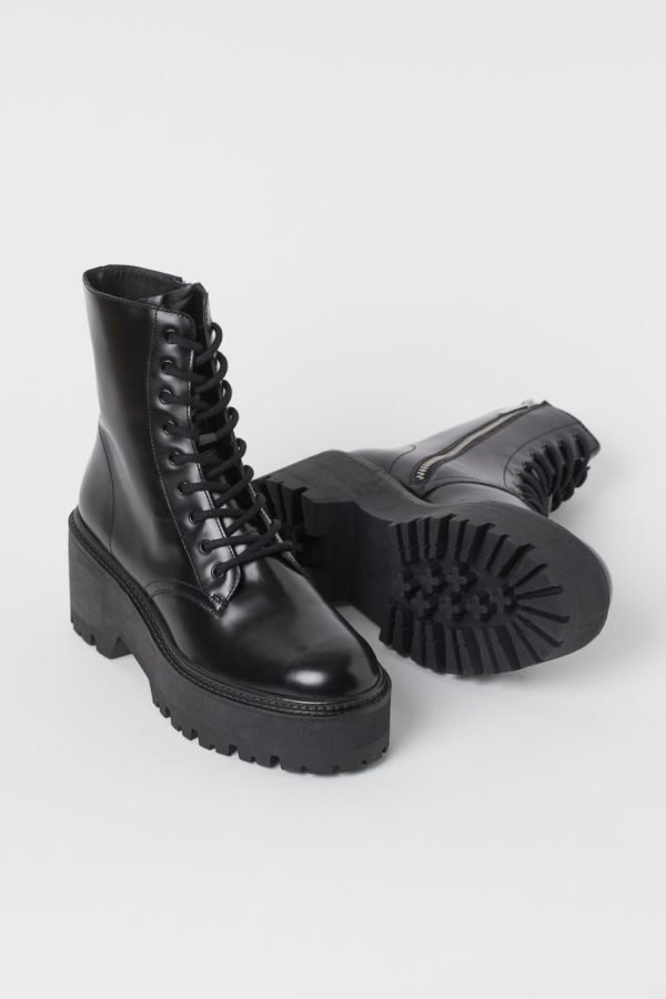 Catálogo H&M otoño invierno 2020-202-botas-plataforma
