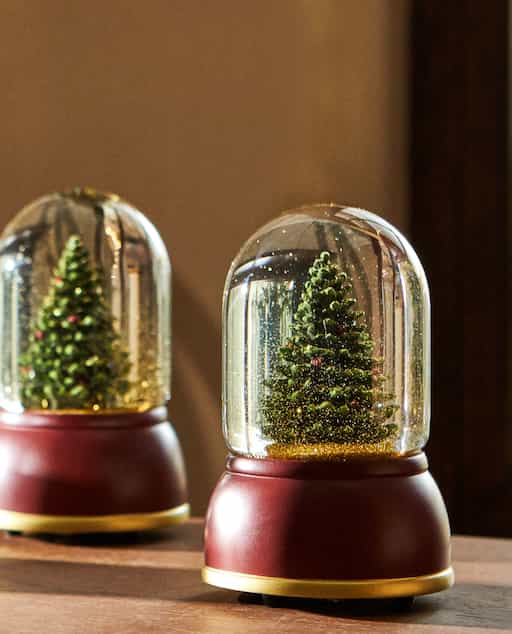 Catálogo Zara Home Navidad 2020 bola nieve abeto