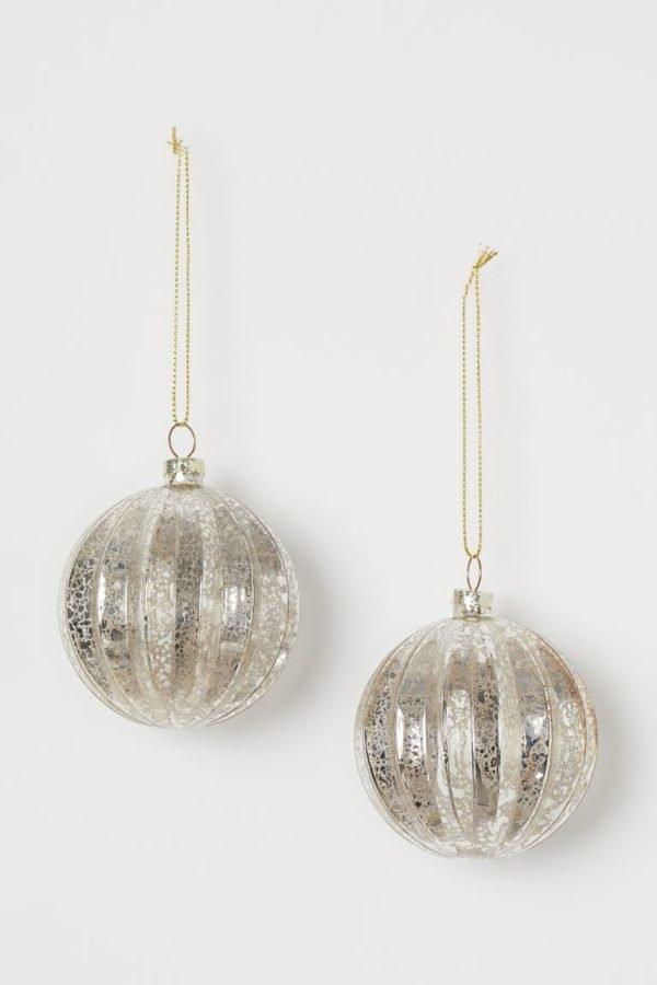 Catálogo H&M Home Navidad 2020 bolas vidrio plateadas