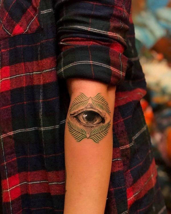 Tatuajes minimalistas 2021 ojo original