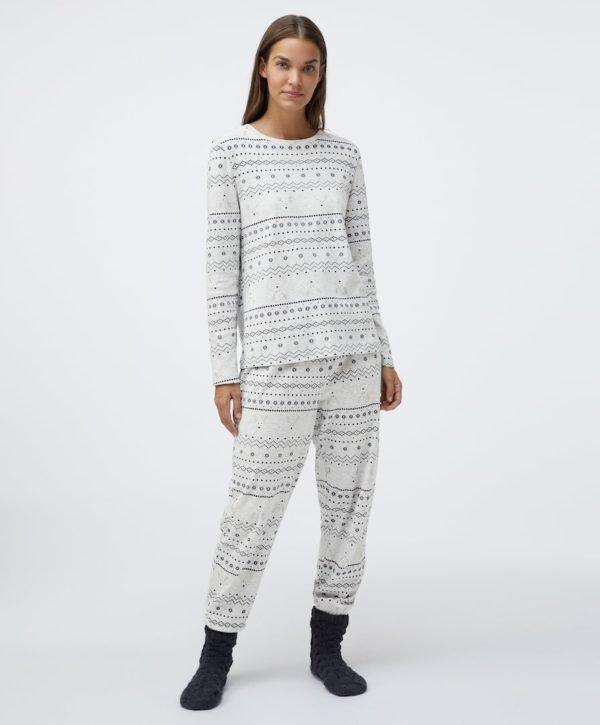 REBAJAS Oysho invierno 2021 pijama jaquard