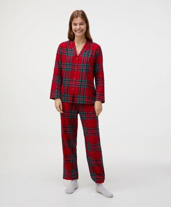 REBAJAS Oysho invierno 2021 pijama tartan