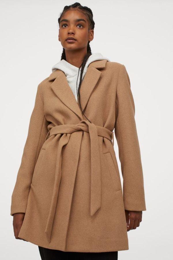 Rebajas H&M invierno 2021 abrigo lana beige